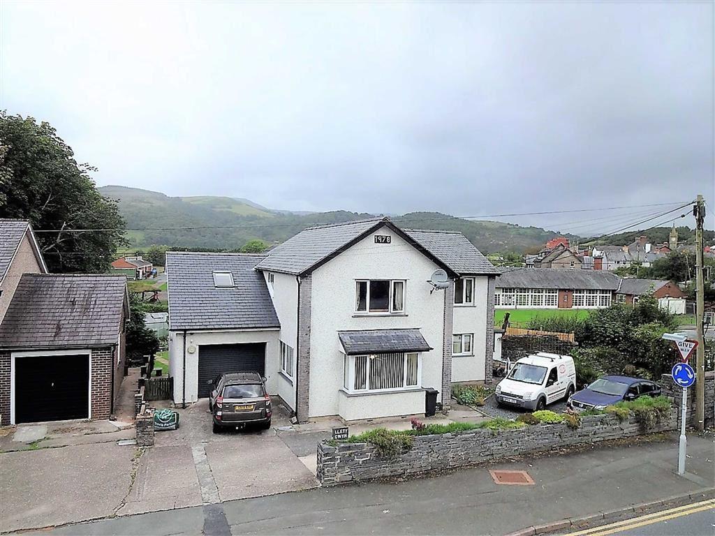 4 Bedrooms Detached House for sale in Llety Gwyn, Aberystwyth Road, Machynlleth, Powys, SY20