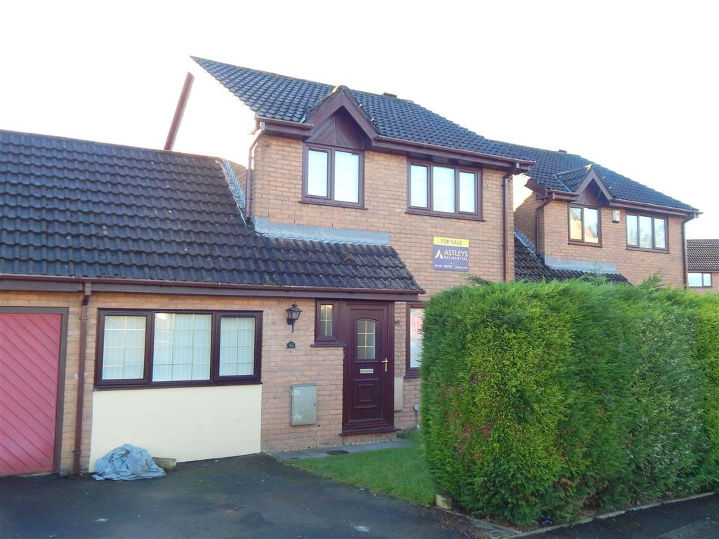 3 Bedrooms Link Detached House for sale in Cwrt Cilmeri, Morriston, Swansea