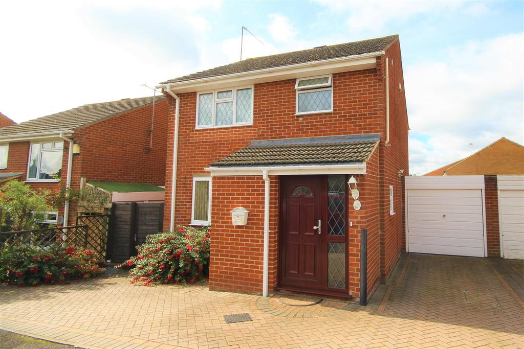 3 Bedrooms Link Detached House for sale in Hurst Park Road, Twyford, Reading