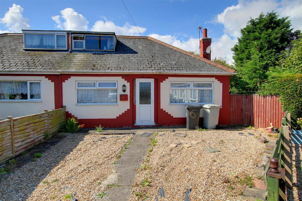 3 Bedrooms Semi Detached Bungalow for sale in 6 Harrow Road, Mablethorpe