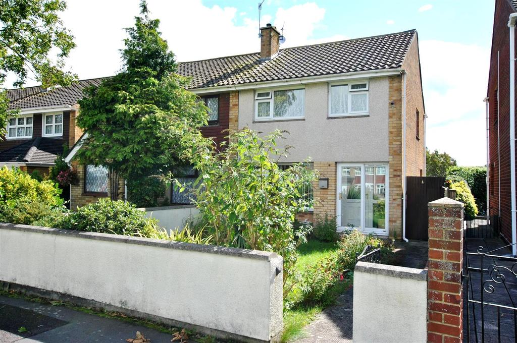 3 Bedrooms Semi Detached House for sale in Lowbourne, Whitchurch