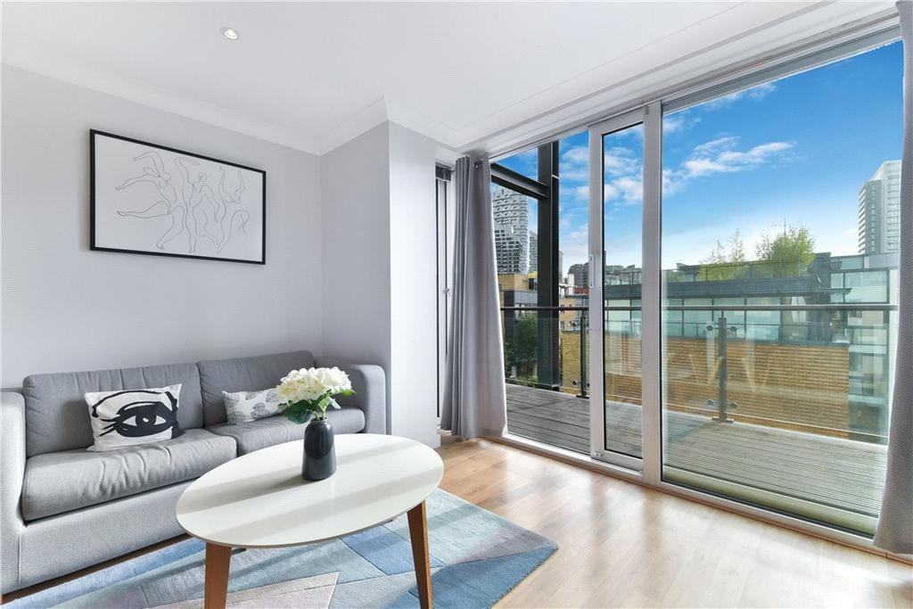 2 Bedrooms Flat for sale in Boardwalk Place, Nr Canary Wharf, London, E14