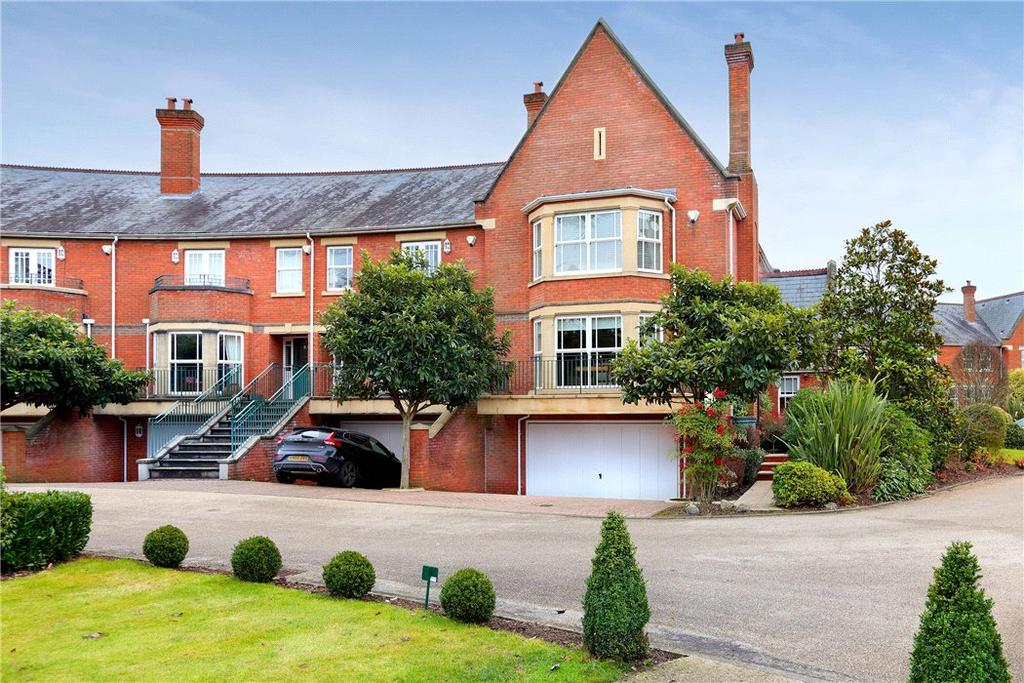 5 Bedrooms Terraced House for sale in Sandy Lane, Virginia Water, Surrey, GU25
