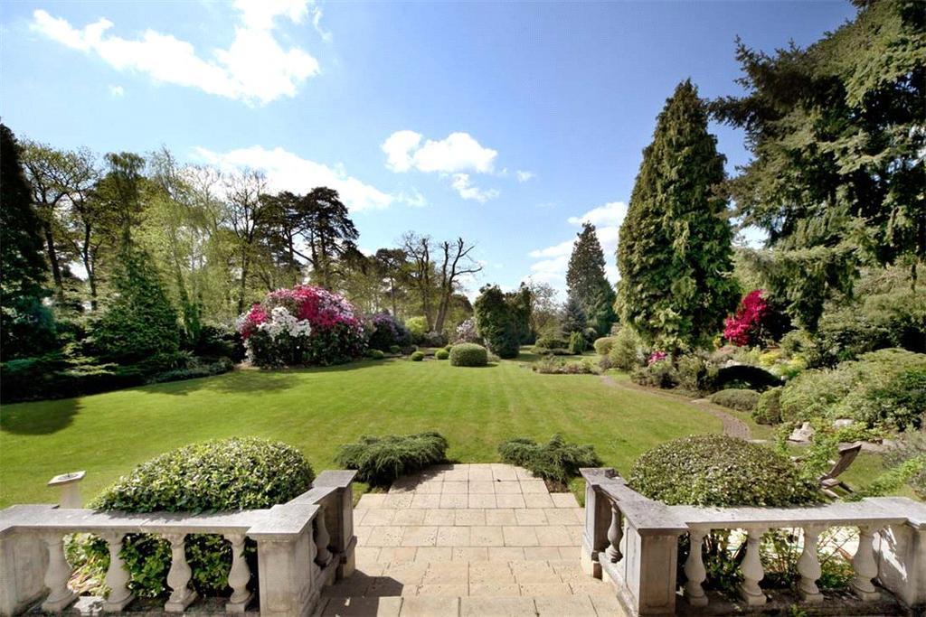 6 Bedrooms Detached House for sale in Horseshoe Ridge, Weybridge, Surrey, KT13
