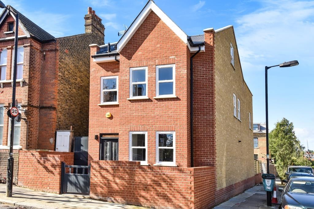 4 Bedrooms Detached House for sale in Landcroft Road East Dulwich SE22