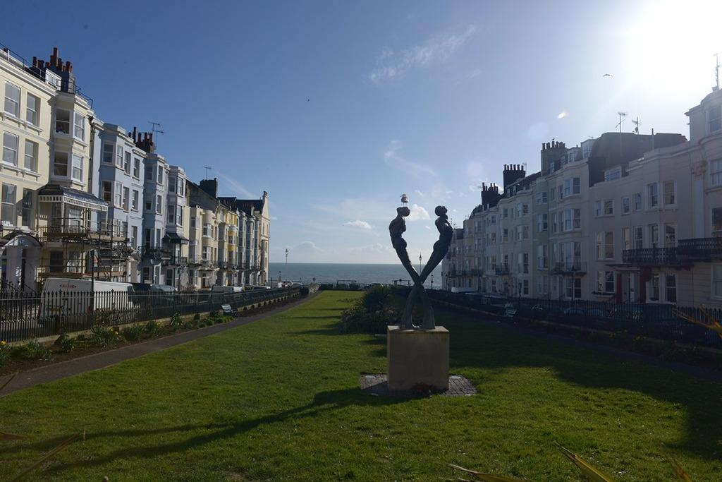 Studio Flat for sale in Devonshire Place Brighton East Sussex BN2