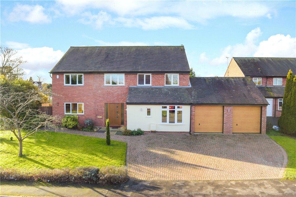 4 Bedrooms Detached House for sale in The Glebe, Weston Turville, Aylesbury, Buckinghamshire