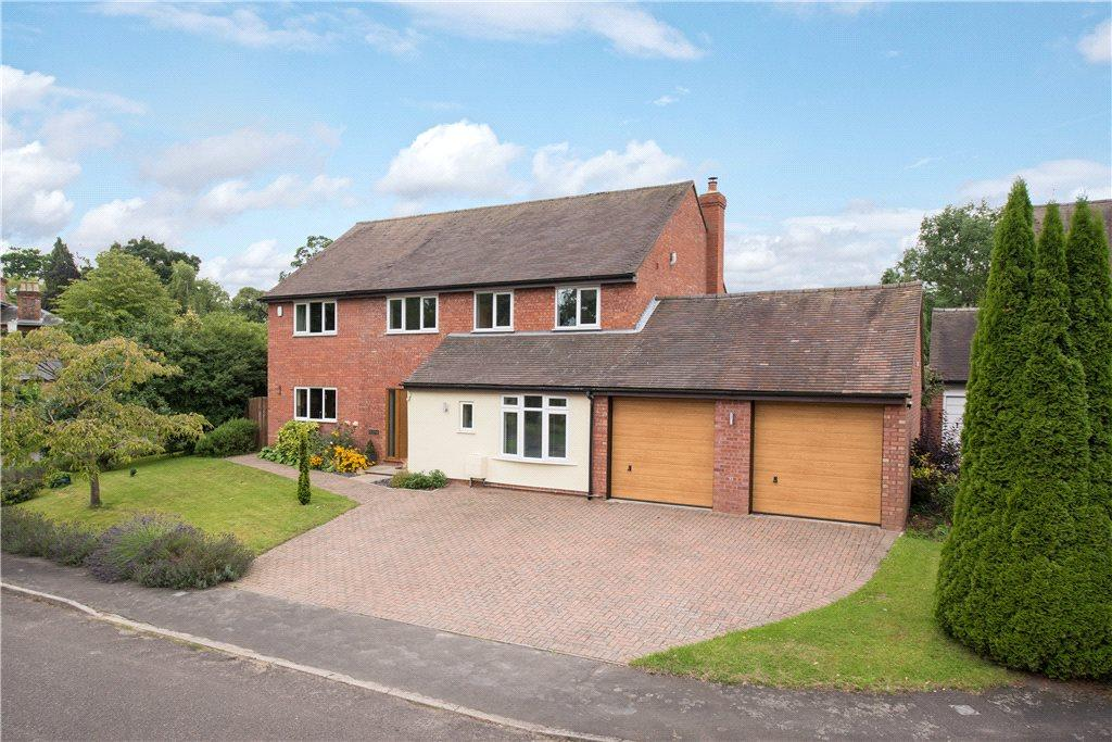 4 Bedrooms Detached House for sale in The Glebe, Weston Turville, Aylesbury, Buckinghamshire
