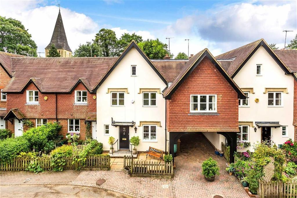3 Bedrooms Town House for sale in Wellers Court, Shere, Surrey, GU5