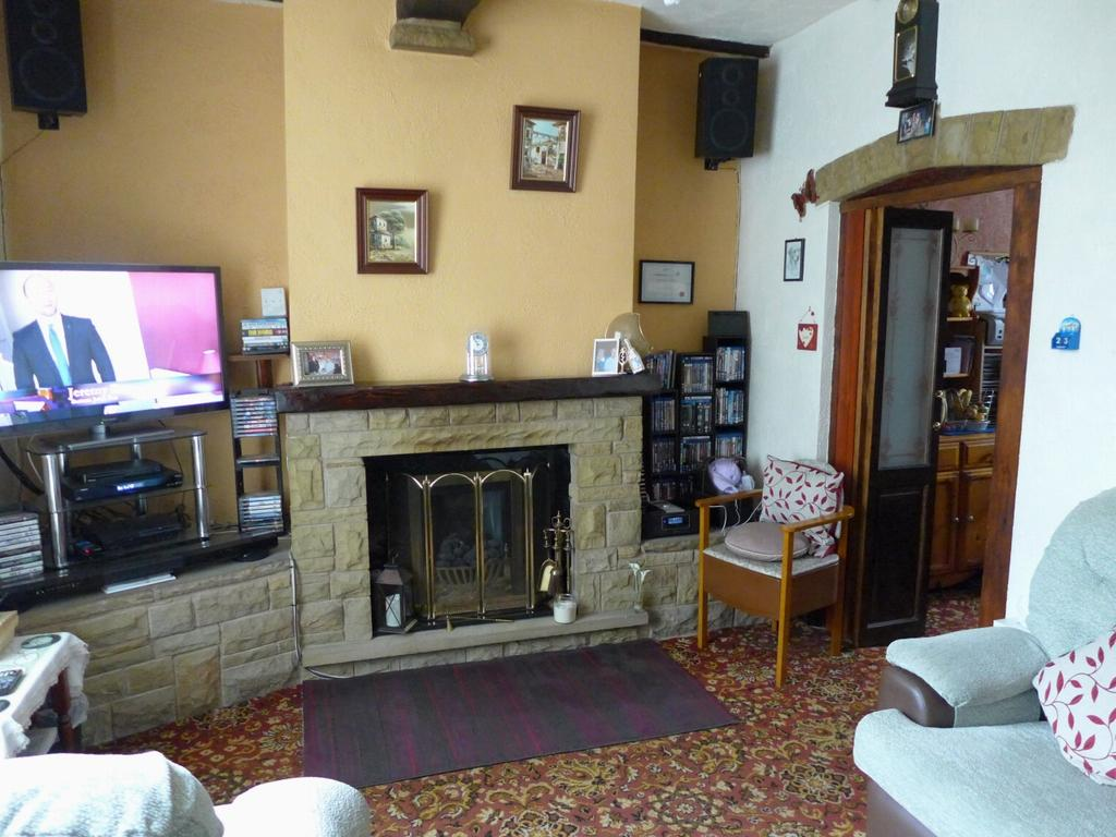 3 Bedrooms Terraced House for sale in Burnley Road Todmorden