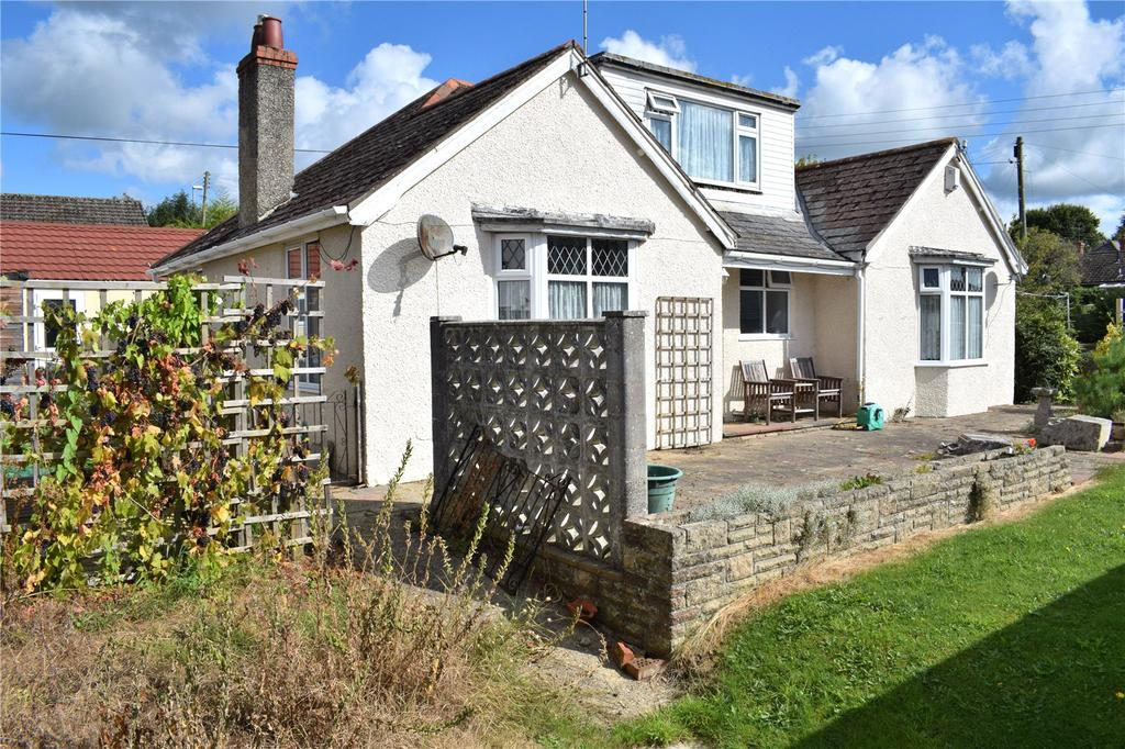3 Bedrooms Detached Bungalow for sale in Kings Head Hill, Bridport, Dorset