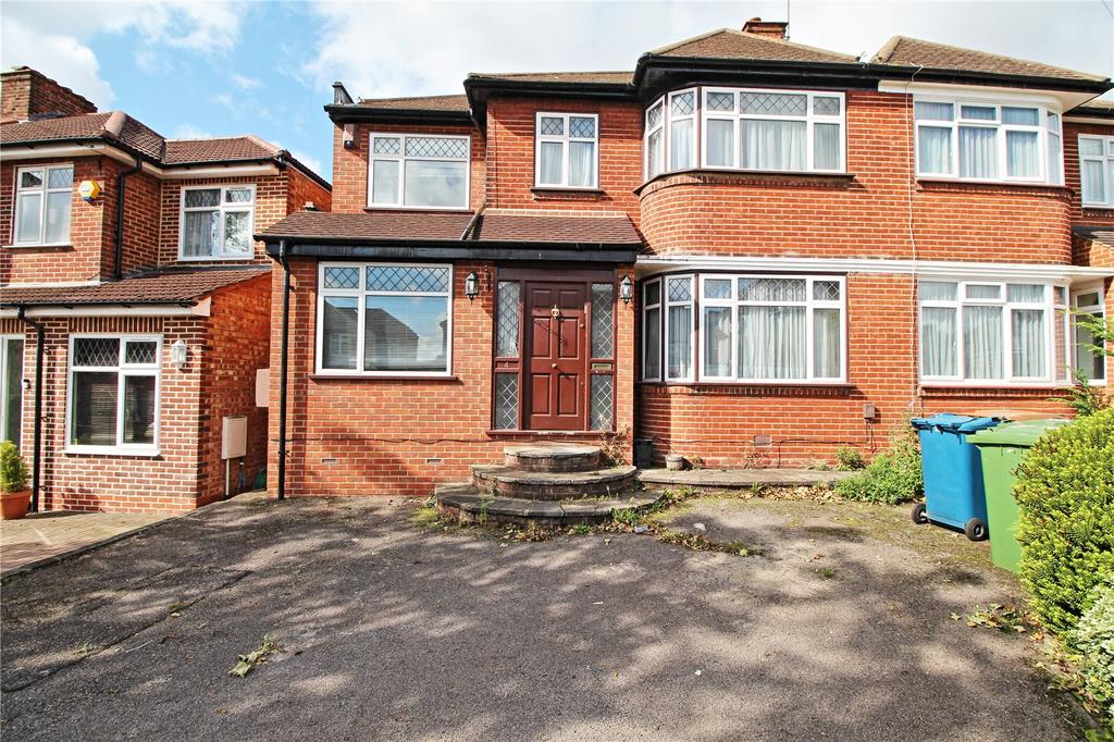 4 Bedrooms Semi Detached House for sale in Kynance Gardens, Stanmore, HA7