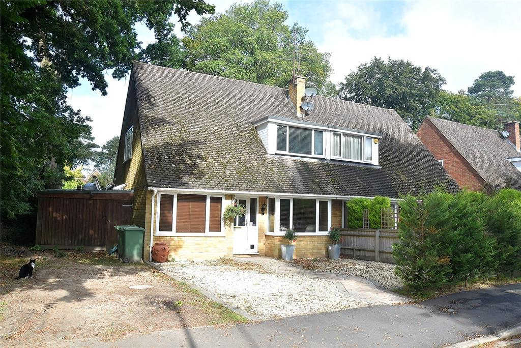 3 Bedrooms Semi Detached House for sale in Mornington Close, Baughurst, Tadley, Hampshire, RG26
