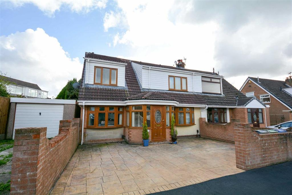 4 Bedrooms Semi Detached House for sale in Reepham Close, Winstanley, Wigan, WN3