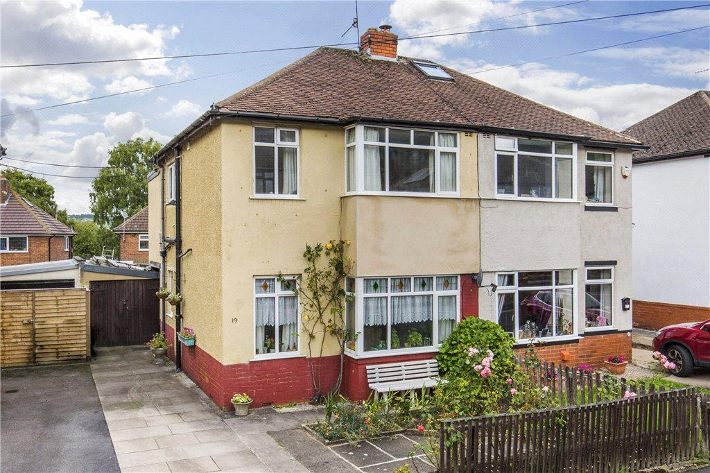3 Bedrooms Semi Detached House for sale in Maylea Drive, Otley, West Yorkshire