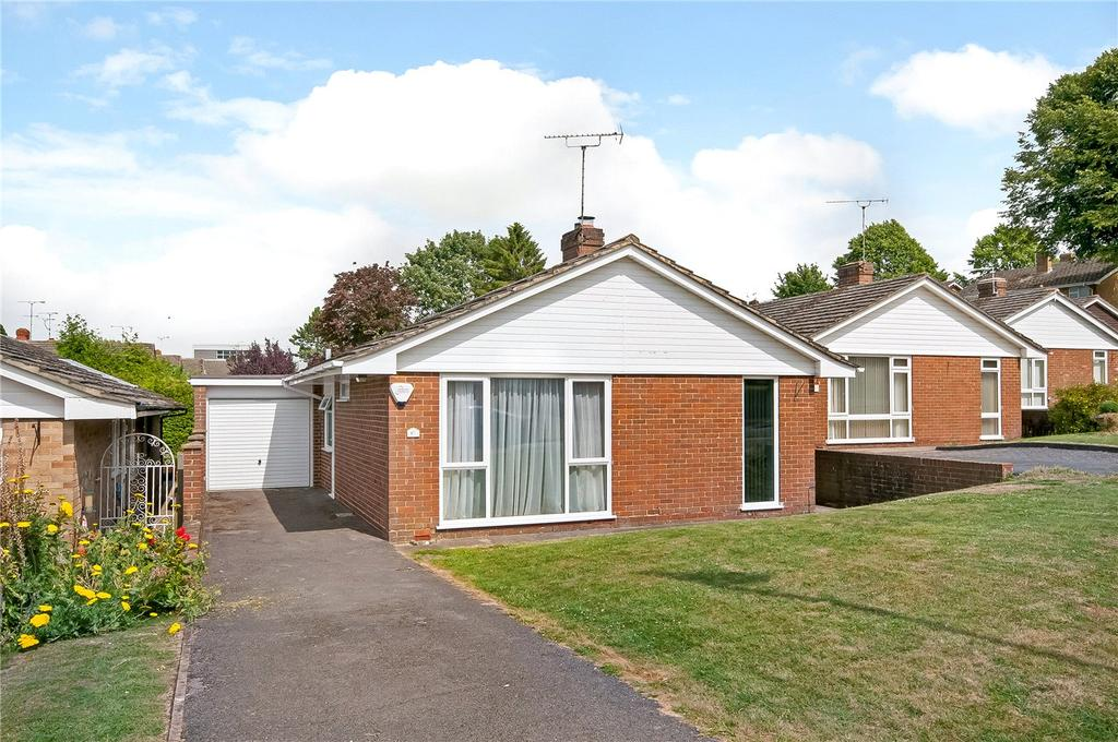 3 Bedrooms Detached Bungalow for sale in Priors Dean Road, Winchester, Hampshire, SO22
