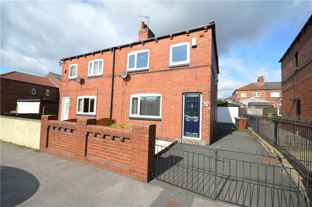 3 Bedrooms Semi Detached House for sale in East Park Parade, Leeds, West Yorkshire