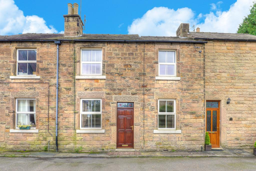 2 Bedrooms Terraced House for sale in Chapel Row, Bakewell, Derbyshire