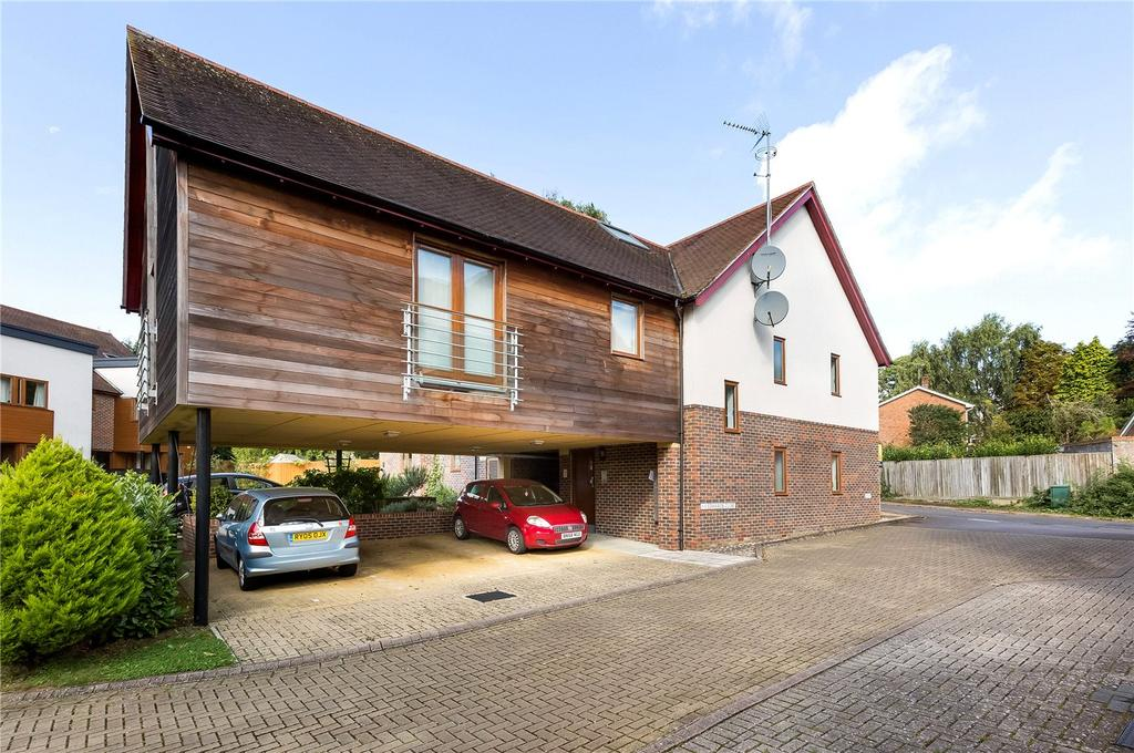 1 Bedroom Flat for sale in Edwards Close, Kings Worthy, Winchester, Hampshire, SO23