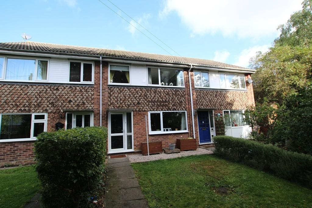 3 Bedrooms Terraced House for sale in Windmill Walk, Sutton
