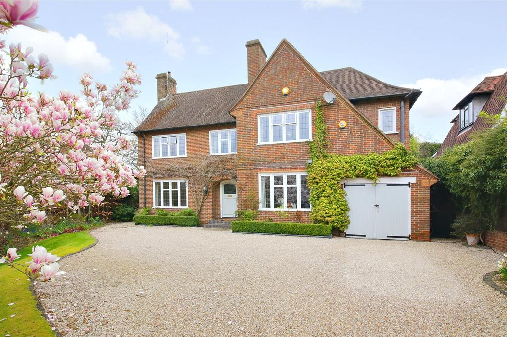 4 Bedrooms Detached House for sale in Canons Close, Radlett, Hertfordshire
