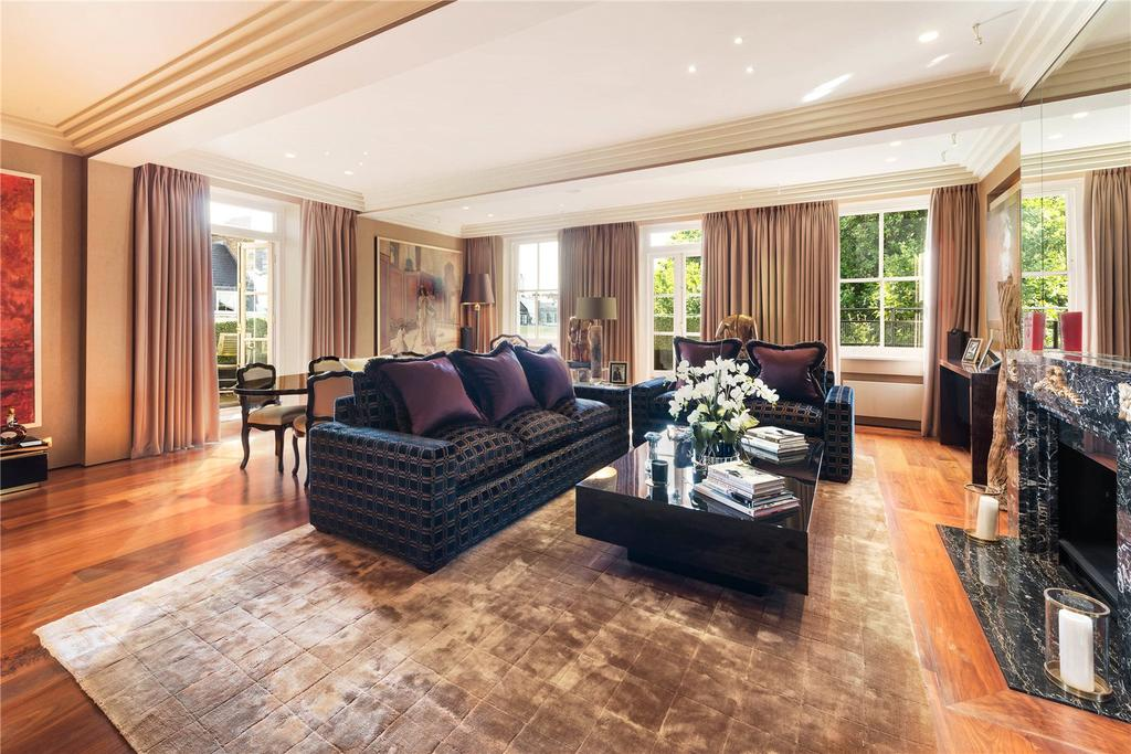 2 Bedrooms Flat for sale in Ennismore Gardens, London