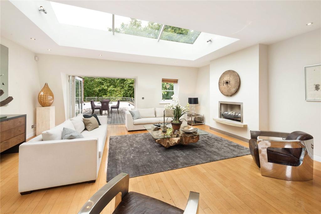 3 Bedrooms Flat for sale in Bramham Gardens, South Kensington, London