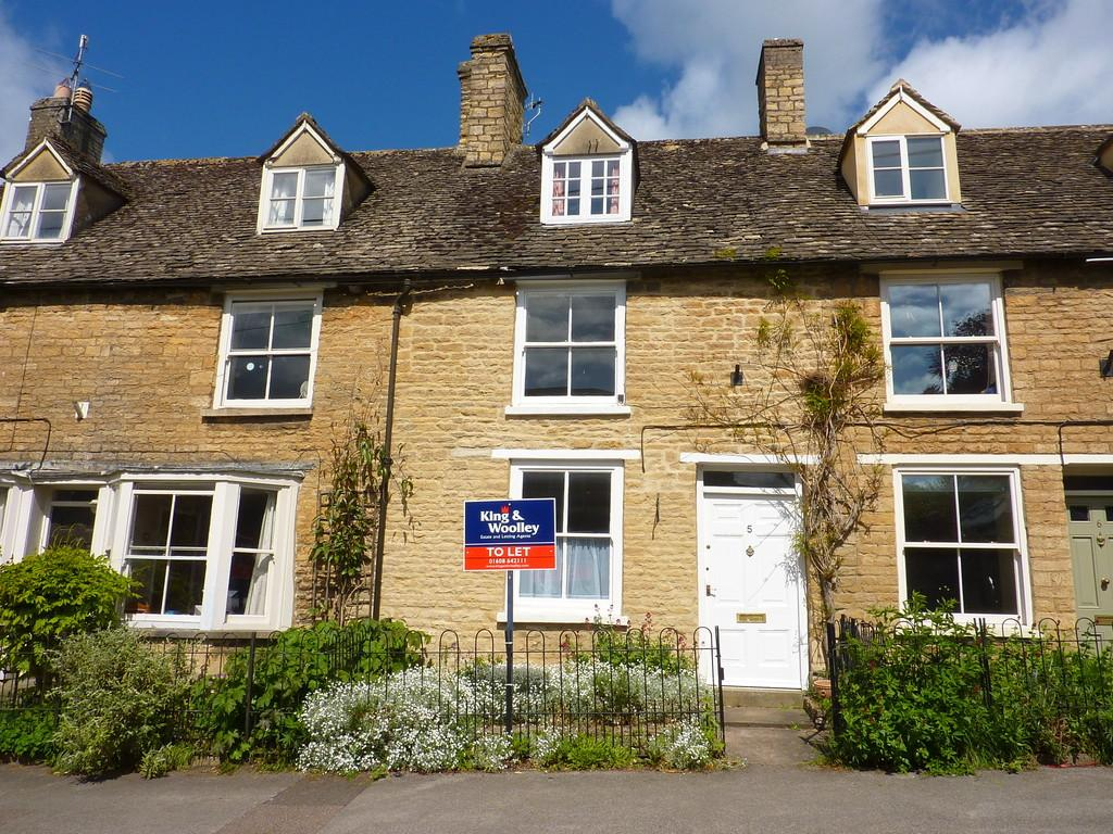 2 Bedrooms Cottage House for sale in Dyers Hill, Charlbury, Oxfordshire