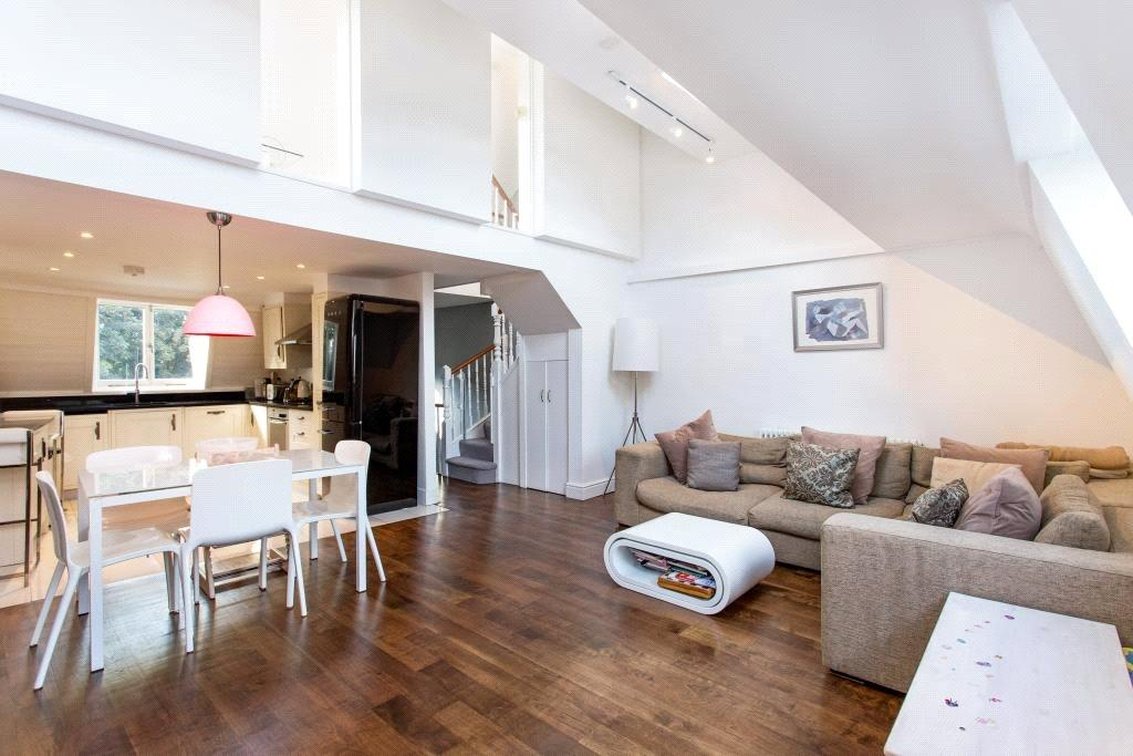 3 Bedrooms Flat for sale in South Hill Park, Hampstead, London, NW3