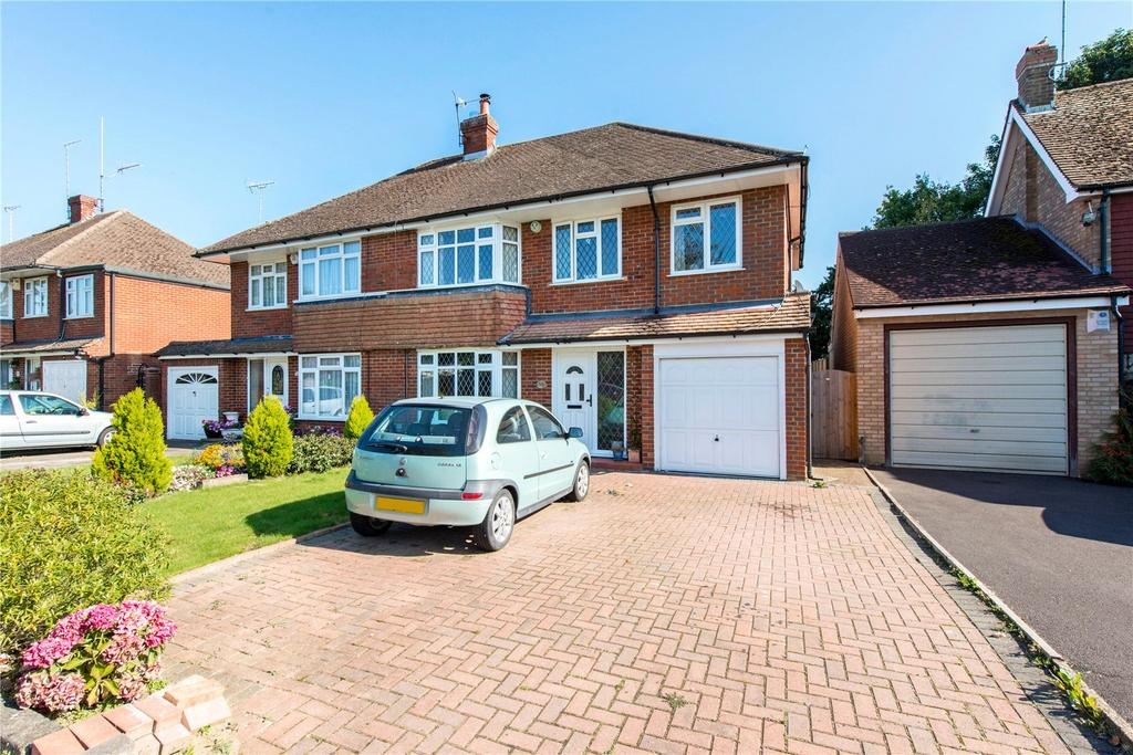 4 Bedrooms Semi Detached House for sale in Eastwick Crescent, Mill End, Rickmansworth, Hertfordshire, WD3