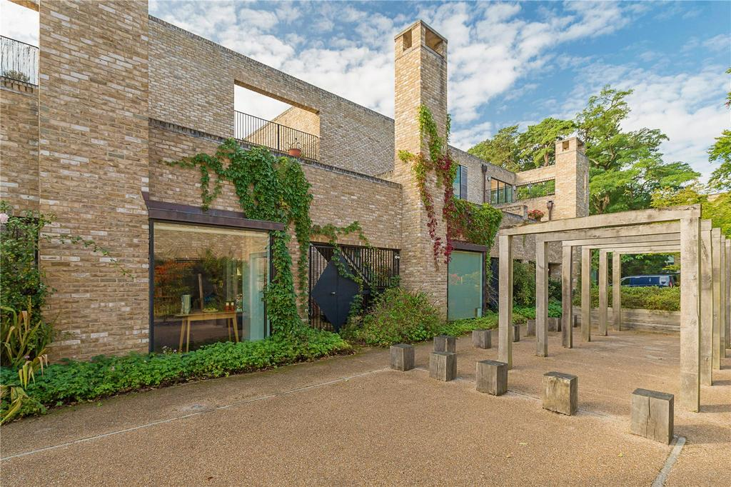 4 Bedrooms Terraced House for sale in Copse Way, Cambridge, CB2
