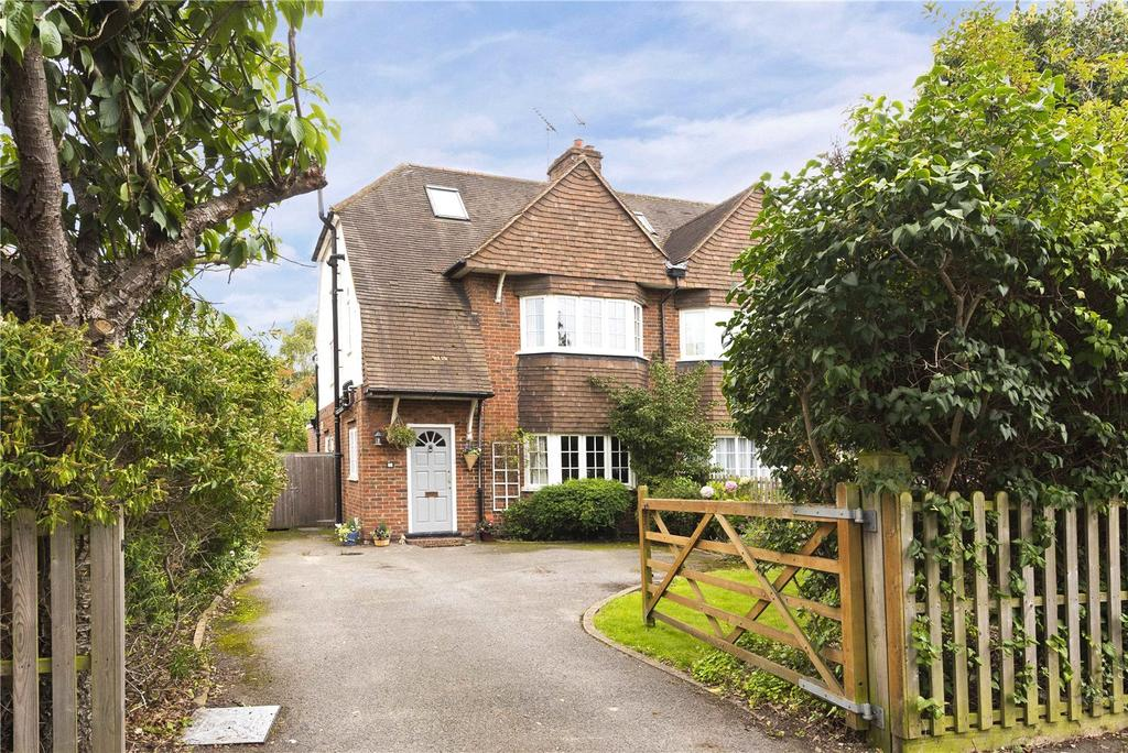 4 Bedrooms Semi Detached House for sale in Ambleside Avenue, Walton-on-Thames, Surrey, KT12