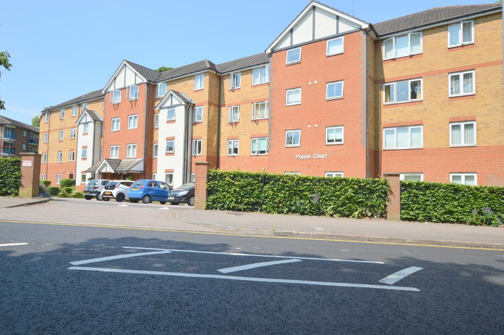 1 Bedroom Apartment Flat for sale in Popes Court, Luton, Bedfordshire, LU2 7GL