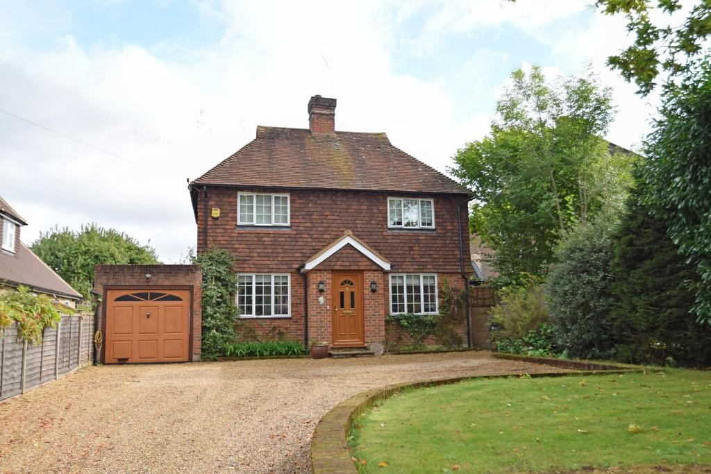 3 Bedrooms Detached House for sale in Blacksmith Lane, Chilworth, Guildford GU4 8NQ