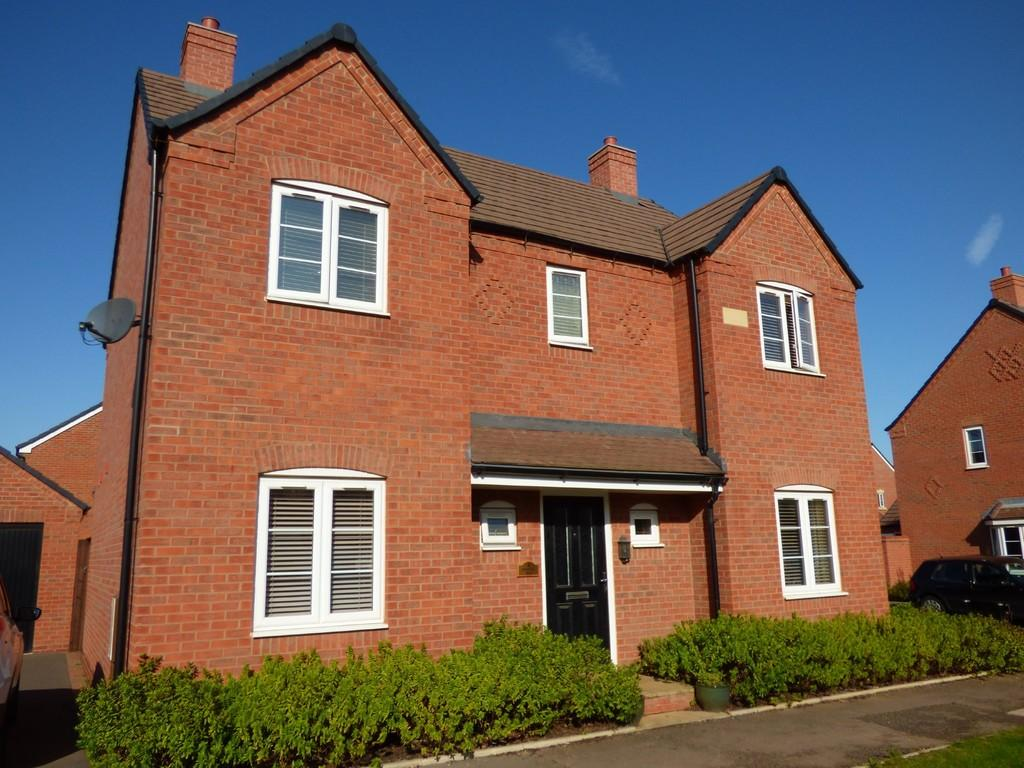 4 Bedrooms Detached House for sale in Redhill Way, Ettington Park