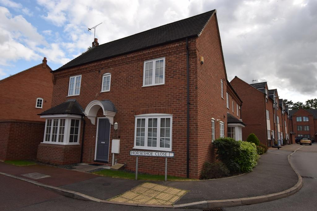 3 Bedrooms Semi Detached House for sale in Horseshoe Close, Market Bosworth