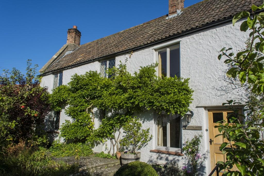 4 Bedrooms Semi Detached House for sale in Nestled into the heart of Old Blagdon with a fabulous country garden