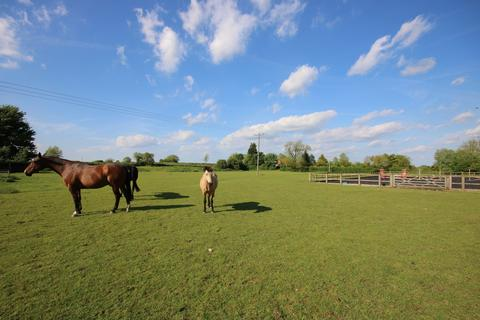 Equestrian facility for sale - Village Street, Pickworth