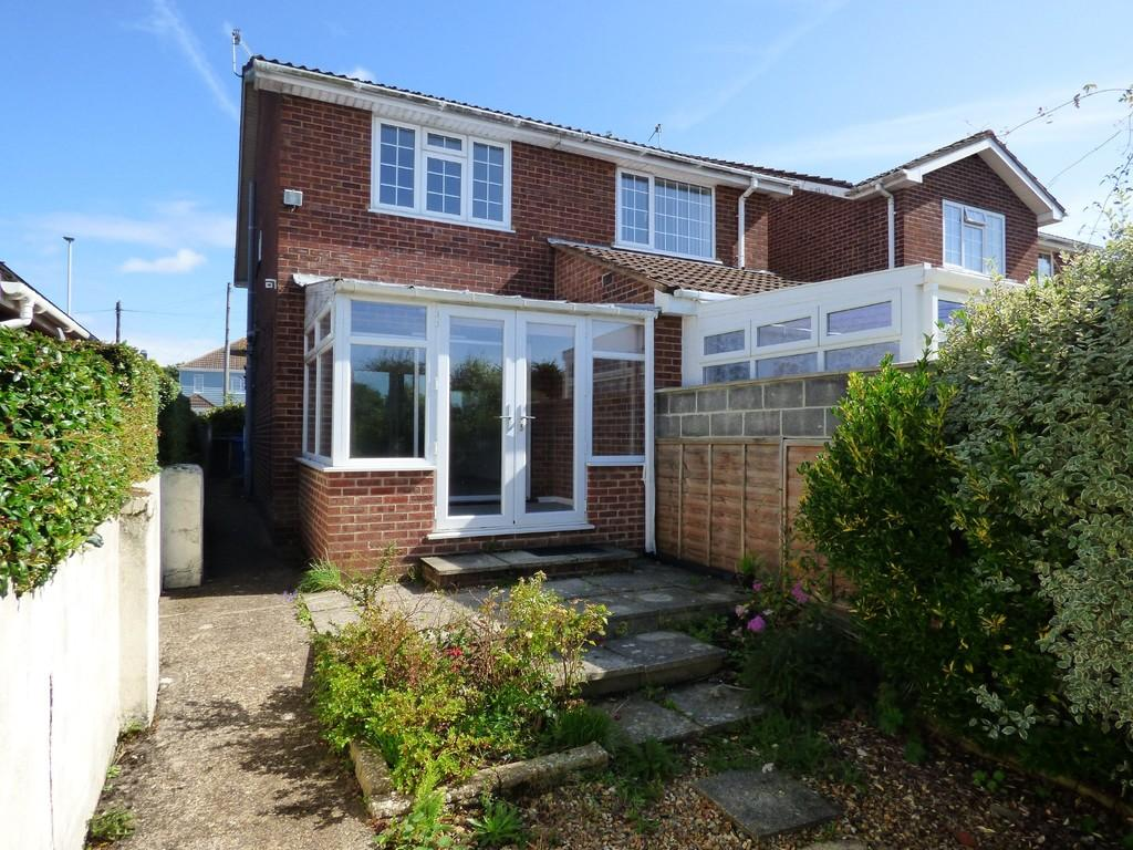 2 Bedrooms Semi Detached House for sale in POOLE