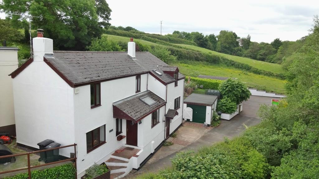 4 Bedrooms Cottage House for sale in Allt Goch Lane, Northop