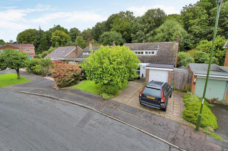 4 Bedrooms Detached House for sale in Forestfield, Horsham