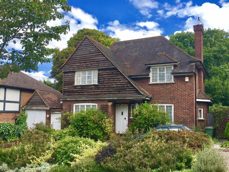 3 Bedrooms Detached House for sale in Camden Road, Bexley