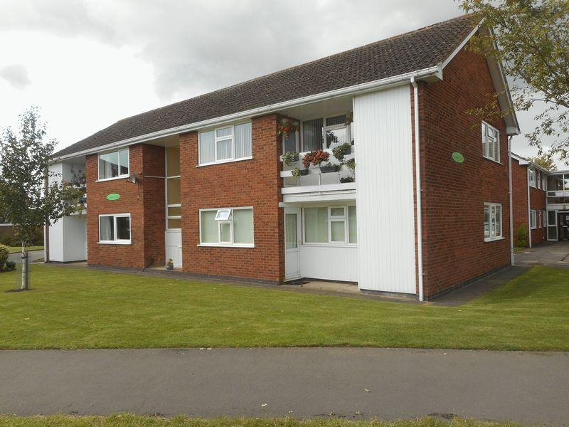 2 Bedrooms Apartment Flat for sale in Coniston Court, St Nicolas Park, Nuneaton