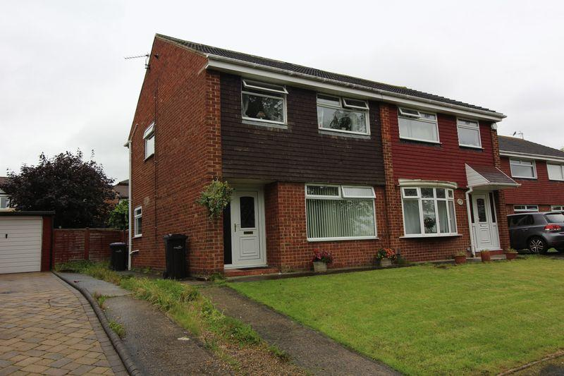 3 Bedrooms Semi Detached House for sale in Shevington Grove, Marton