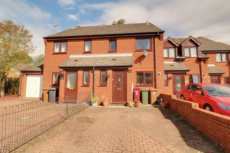 3 Bedrooms Terraced House for sale in 2 Manley Gardens, Brigg