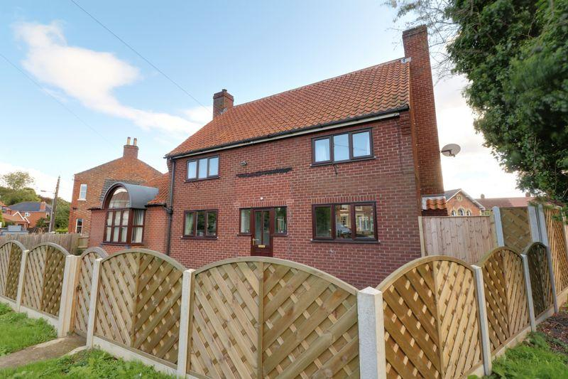 3 Bedrooms Detached House for sale in Thorn Lane, Barrow-Upon-Humber