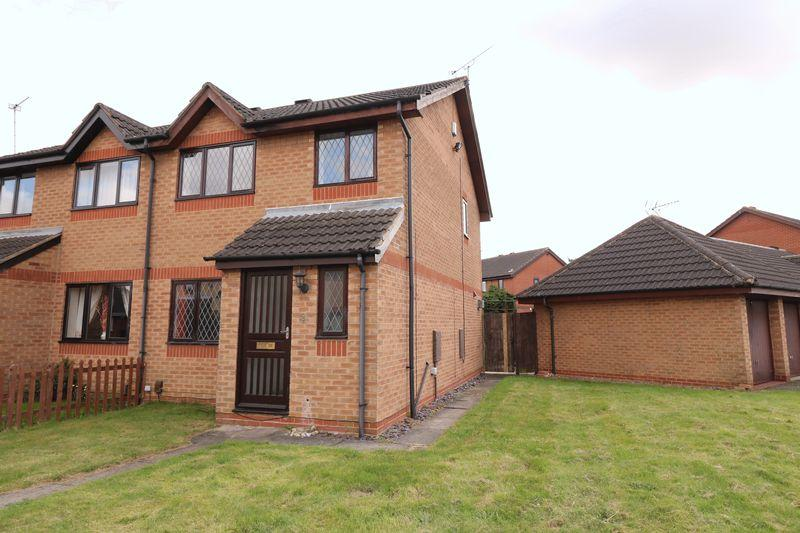 3 Bedrooms Semi Detached House for sale in Heron Close, Scunthorpe