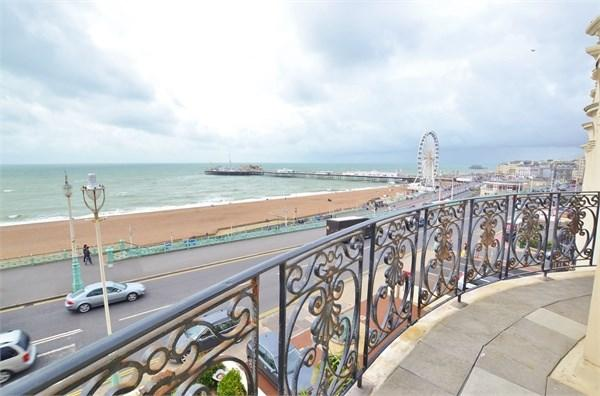 3 Bedrooms Flat for rent in Marine Parade, BRIGHTON, BN2