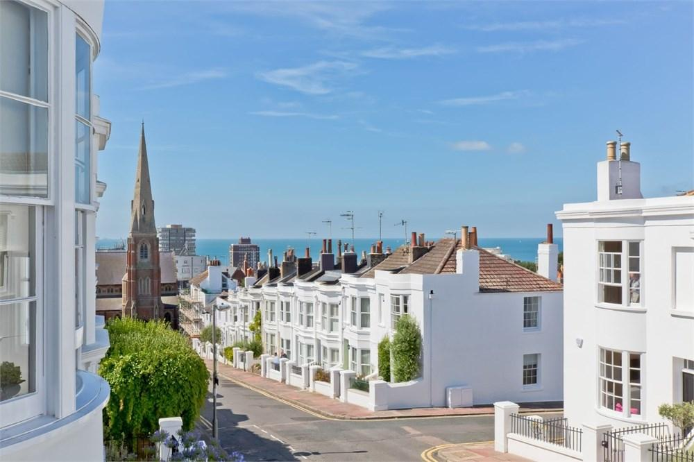 3 Bedrooms Terraced House for sale in Victoria Street, Brighton, BN1