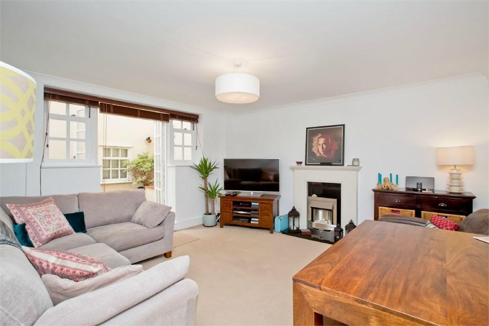 1 Bedroom Flat for sale in Brunswick Terrace, Hove, BN3